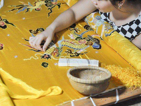 Làng thêu cung đình Đông Cứu – Trại Cá - đồ gia dụng Việt Nam