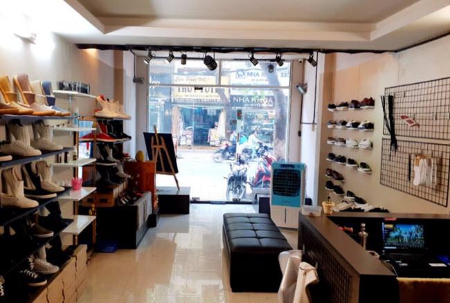 Chọn mặc bằng đẹp để kinh doanh shop giày dép