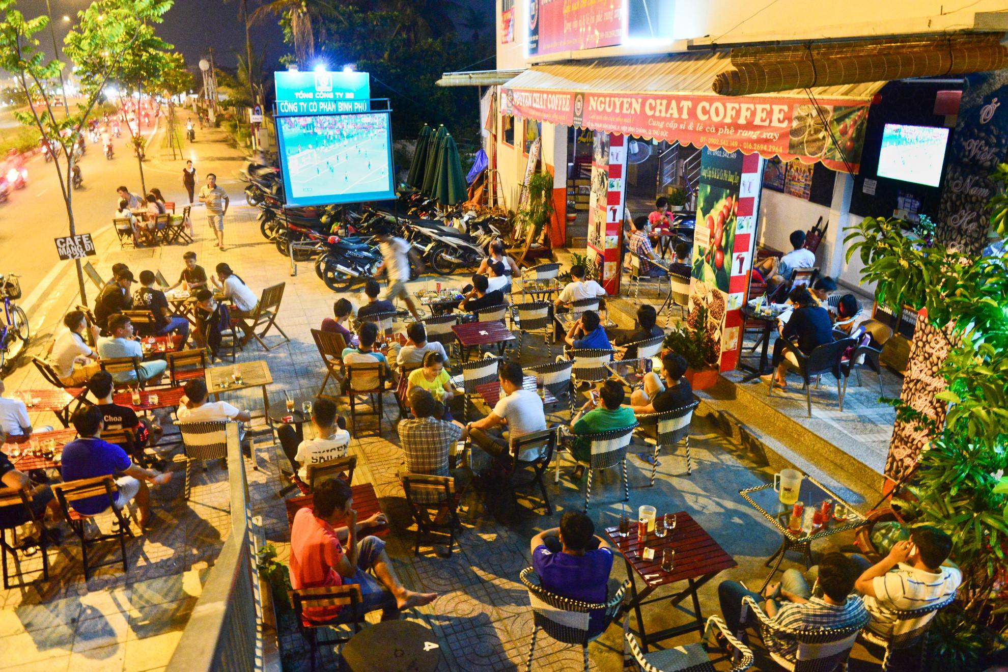 Chẳng cần lộng lẫy, bạn vẫn kiếm tiền tốt ở Sài Gòn với một nhà hàng