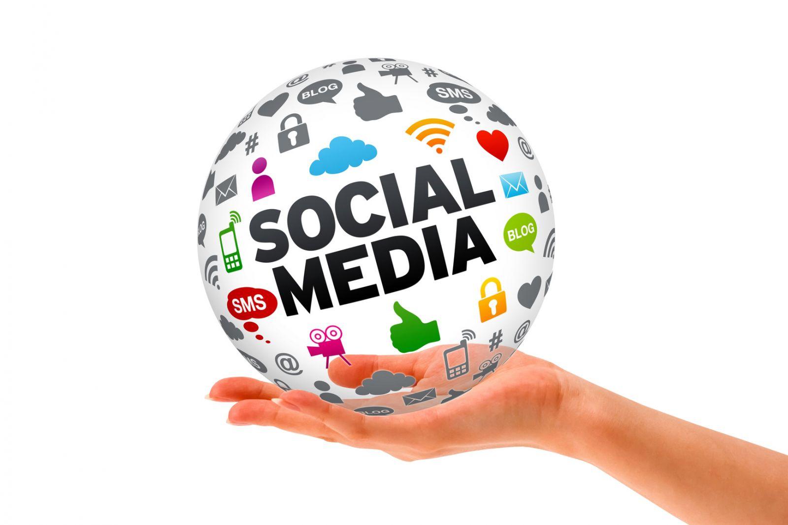 Có lẽ điều lôi cuốn về Social Media là sự tương tác của người sử dụng với thương hiệu của bạn được gần gũi hơn.